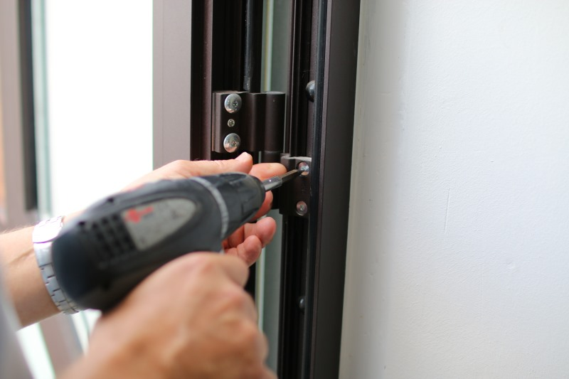 Dépannage d'une porte en aluminium