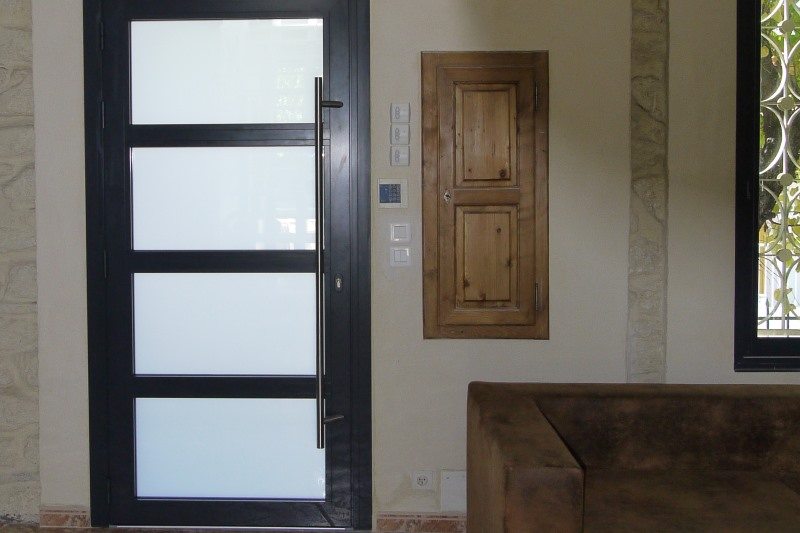 Portes et fen tres menuiseries aluminium et pvc sommi res - Porte d interieur contemporaine ...