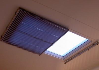 Store pour fenêtre de toit