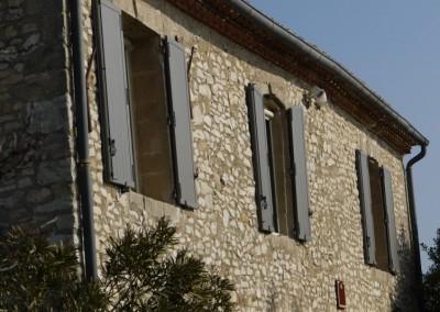 Volets en aluminium sur mesure pour un mas provençal
